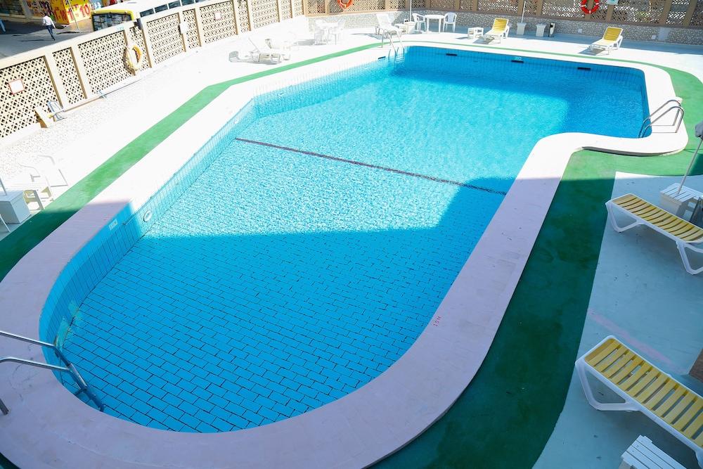 Ambassador Hotel Dubai, Dubai @INR 28054 OFF ( ̶3̶9̶5̶1̶2̶ ) 𝐇𝐃