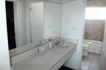 Rodeway Inn and Suites - Bathroom  - #0