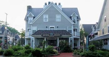Artists Colony Inn & Restaurant in Nashville, Indiana