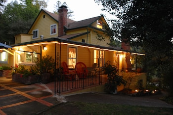 Sonoma Orchid Inn in Forestville, California