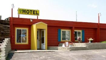 Earth Inn Motel
