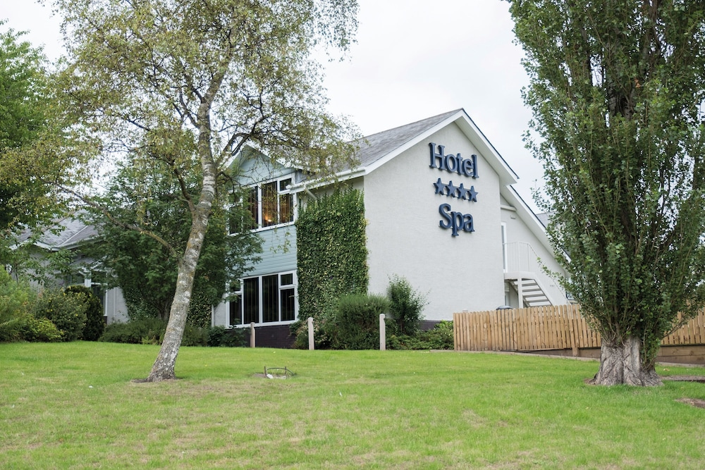 North Lakes Hotel And Spa