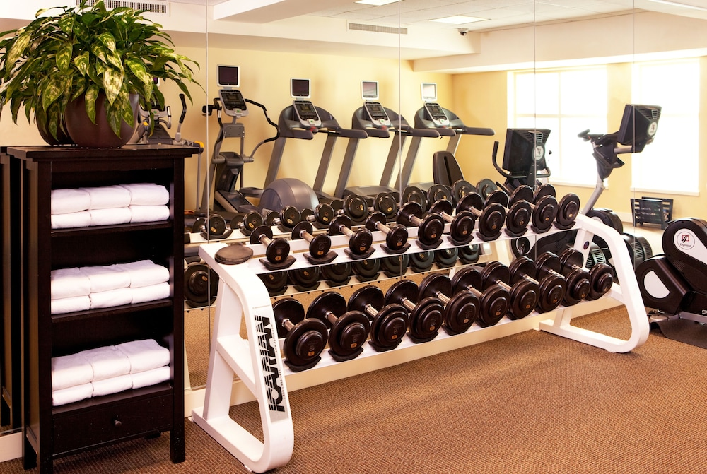 Health and Fitness : Fitness Facility 26 of 102