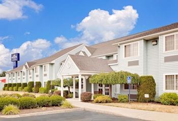 Microtel Inn & Suites by Wyndham Wellsville in Wellsville, New York