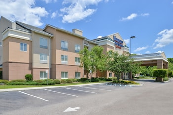 Hotel Gallarey Fairfield Inn & Suites Charleston North/University Area