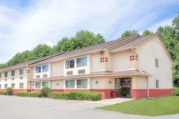 Super 8 by Wyndham Oneonta/Cooperstown in Oneonta, New York