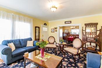 Shady Oaks Country Inn in St. Helena, California