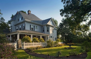 Whistling Swan Inn in Parsippany, New Jersey