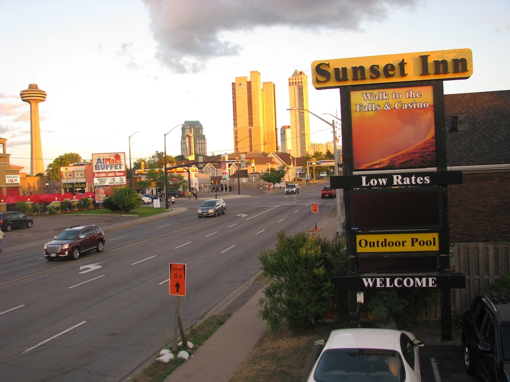 Sunset Inn Niagara Falls Get Flat Inr 649 Off 3 8 2 9