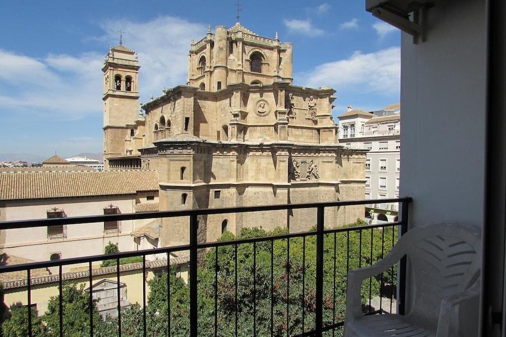 Hotel Los Jeronimos Y Terraza Monasterio Granada Price