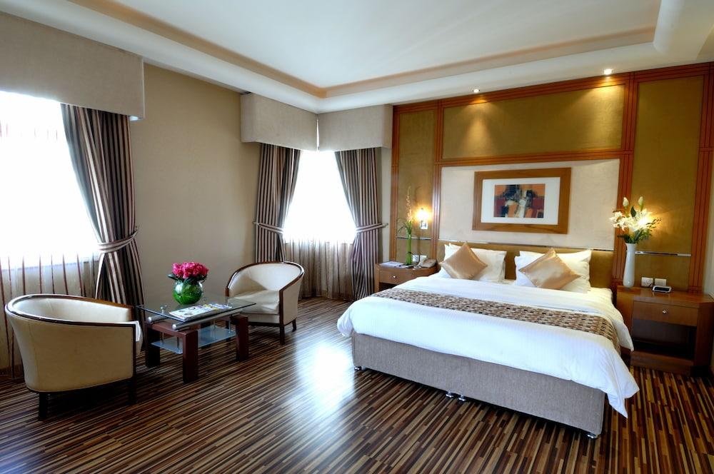 The Juffair Grand Hotel, Manama @INR 4174 OFF ( ̶5̶0̶2̶5̶