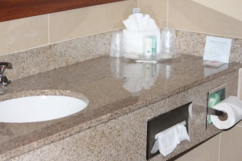 Quality Suites - Bathroom Sink  - #0