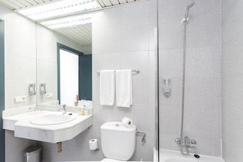 Hotel Globales Gardenia - Bathroom  - #0