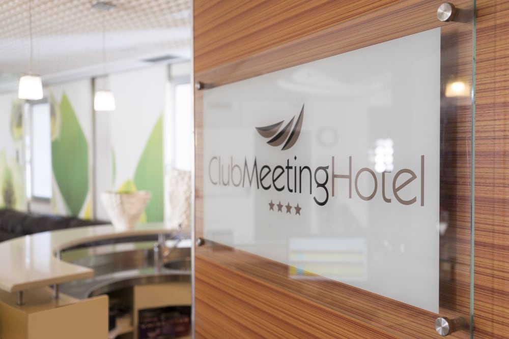 Club Meeting Hotel