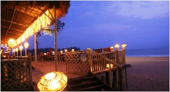 The LaLiT Golf & Spa Resort Goa - Restaurant  - #0