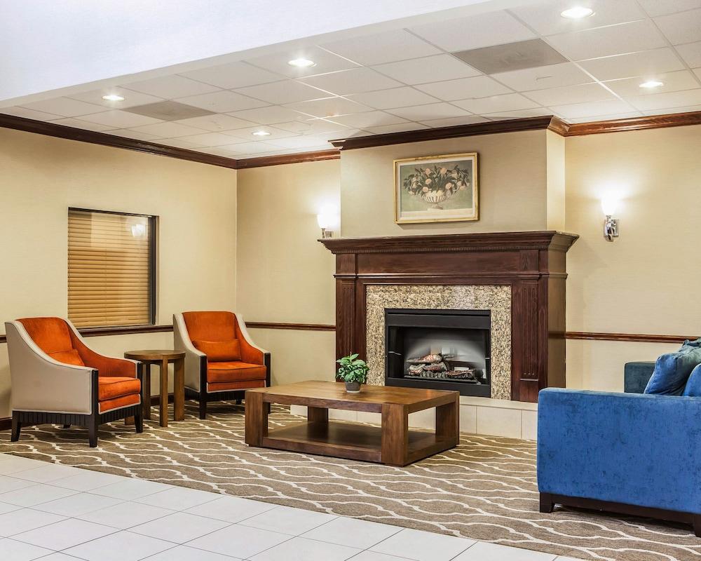 COMFORT INN® & SUITES OFALLON - O\'fallon MO 100 Comfort Inn Court 63366