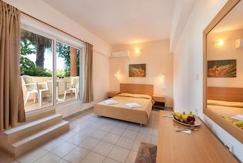 Bayside Hotel Katsaras