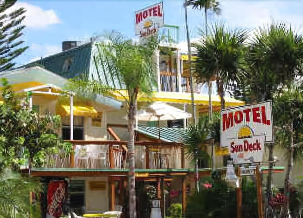 Sun Deck Inn and Suites