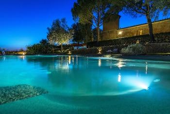 Photo for Castello di Leonina Relais in Asciano