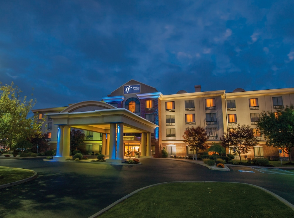 Holiday Inn Express Hotel & Suites Buffalo-Airport