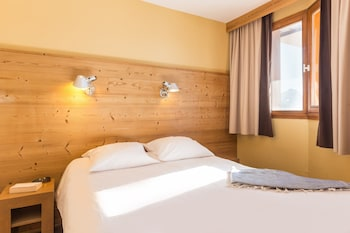 Photo for Pierre & Vacances Residence L'Ours Blanc in Huez