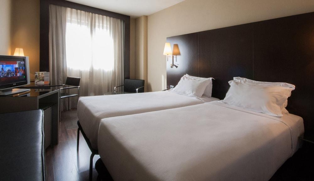 B&B Hotel Madrid Getafe + Entradas Parque Warner Madrid