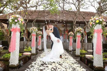 Legian Beach Hotel - Outdoor Wedding Area  - #0