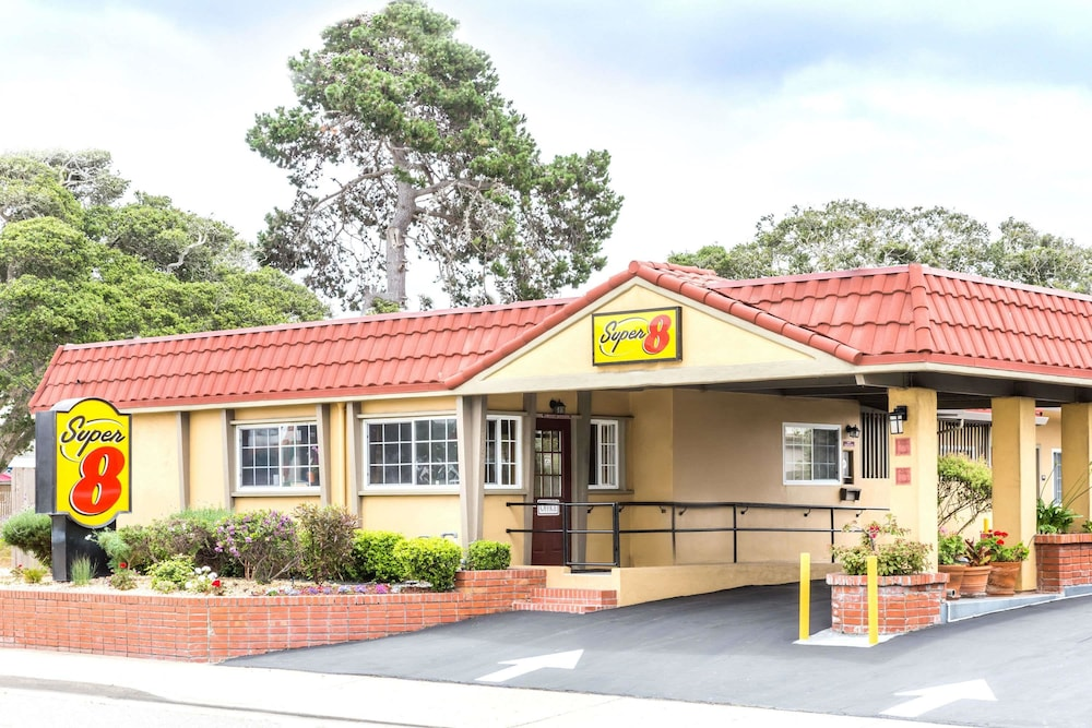 Super 8 by Wyndham Monterey
