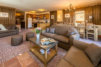 Photo for Chalet Altitude in Bourg-Saint-Maurice