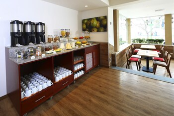 Casa Andina Standard Miraflores San Antonio - Breakfast Area  - #0