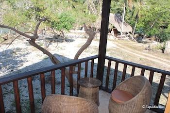 Palawan Sandcastles Beach Resort Terrace/Patio