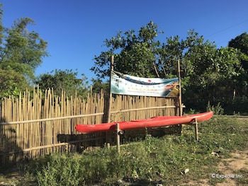 Palawan Sandcastles Beach Resort Exterior