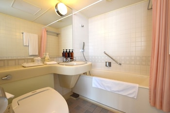 Nagasaki International Hotel - Bathroom Amenities  - #0