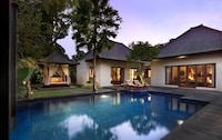 The Royale Roselle Two Bedroom Luxury Pool Villa Club