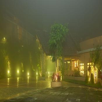波翠薩諾瓦門廊飯店