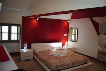 皮耶薩蓬蒂達套房飯店