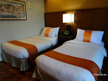 Corporate Inn Hotel Manila Guestroom