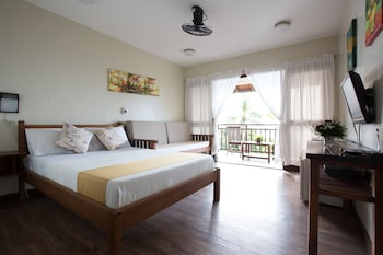 Palm Beach Resort Batangas Guestroom
