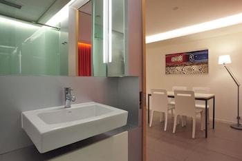60 West Suites Hotel - Bathroom  - #0