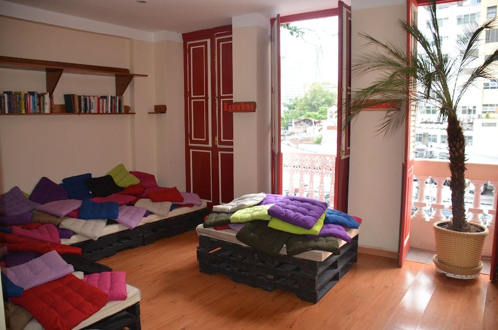 Casa Joaquim Silva Hostel