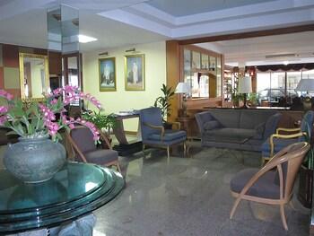 Mae Pim Resort Hotel