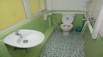 Ocean Pearl Inn - Bathroom  - #0