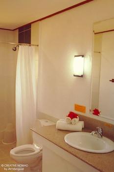 Asia Grand View Hotel Palawan Bathroom