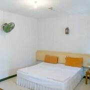 查汶海灘港口渡假飯店