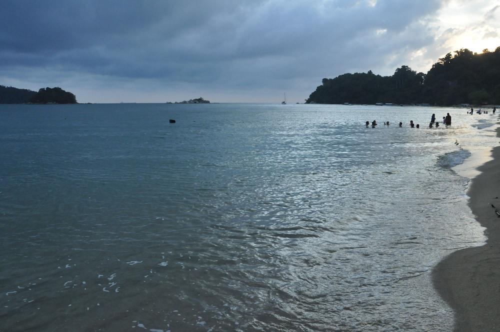 Vikri Beach Resort, Pangkor Island ( ̶1̶0̶0̶ ) Price ...