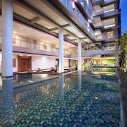 水明漾潮流日落飯店
