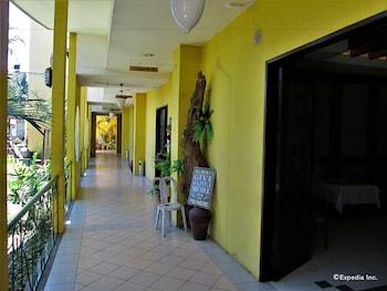 Country Village Hotel Cagayan de Oro Hallway