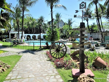 Country Village Hotel Cagayan de Oro Property Grounds