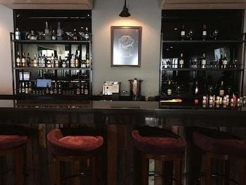 Amelie Hotel Manila Hotel Bar