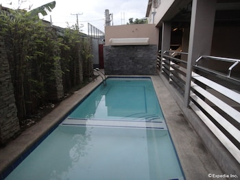 Grand Apartelle Cebu Outdoor Pool